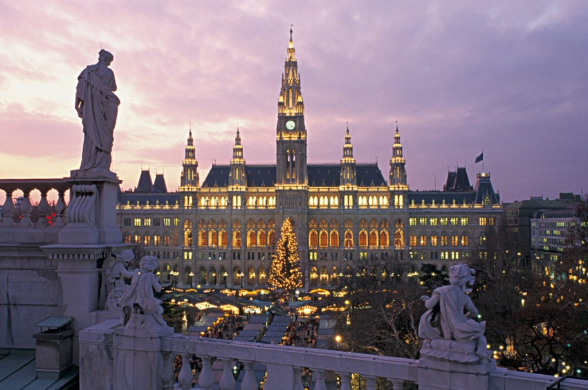 The Danube and its traditional Christmas Markets Classic Excursion Package