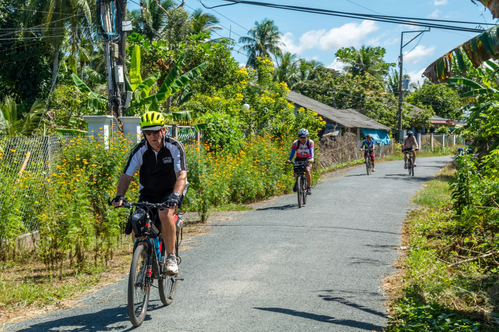 DISCOVER PARADISE ISLAND ON BIKE: LUXURY CHRISTMAS & NEW YEAR PACKAGE WITH FLIGHT