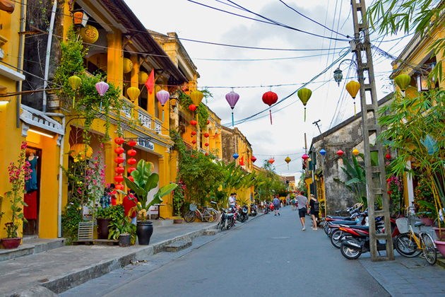 10-DAY CENTRAL AND SOUTHERN VIETNAM TOUR