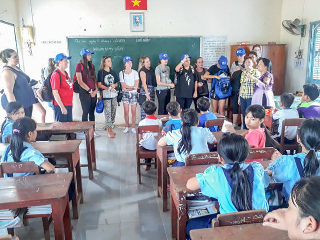 VIETNAM SCHOOL TOUR - COMMUNITY PROJECT FIELD TREK